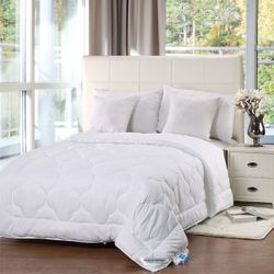 Linen & Homes CloudLight Comforter King Size