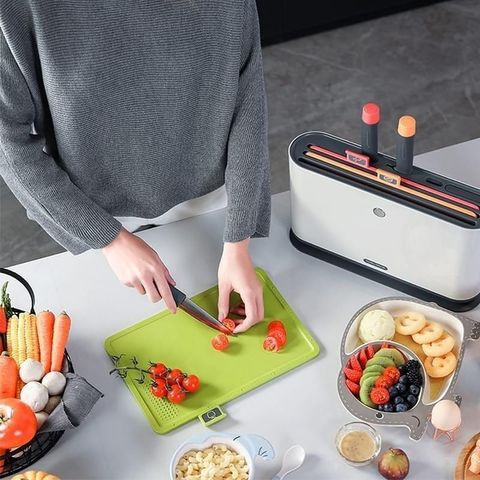 Morphy Richards UV Knives and Chopping Boards