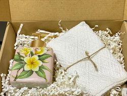 Simple Joy Gift Box