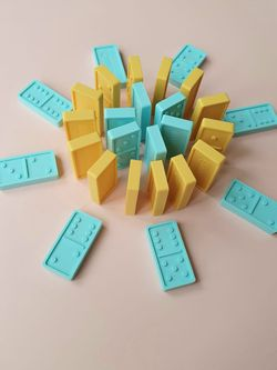 Tots & Kisses 28-piece Sili Domino Set