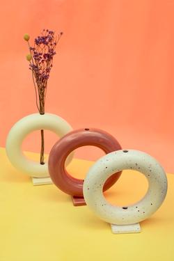Cheerio Vase