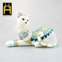Harmony & Homes Resin - Ethnic Cat w/ Feather