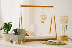 PRE-ORDER Mahagony Floor Bed